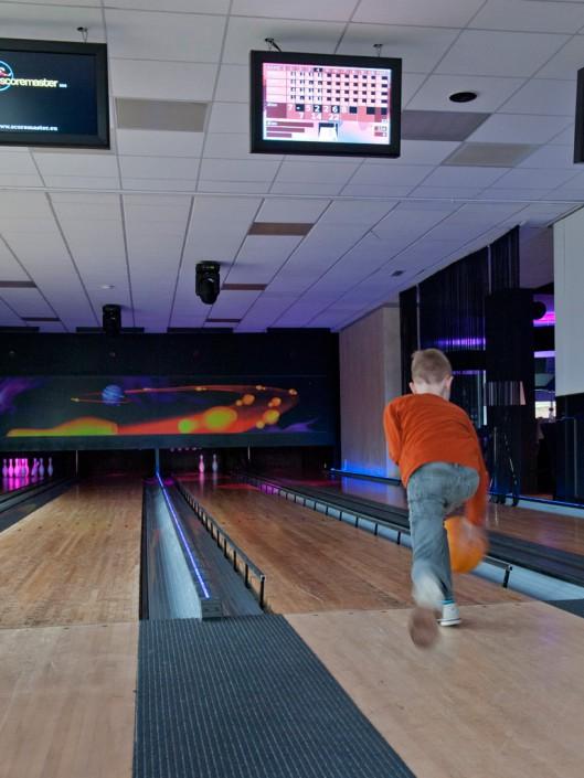 Kinder bowling arrangement